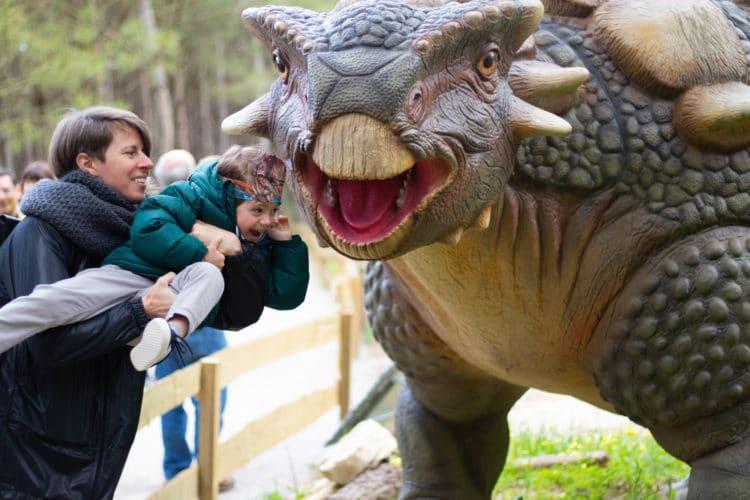 having a blast with dinossaurs