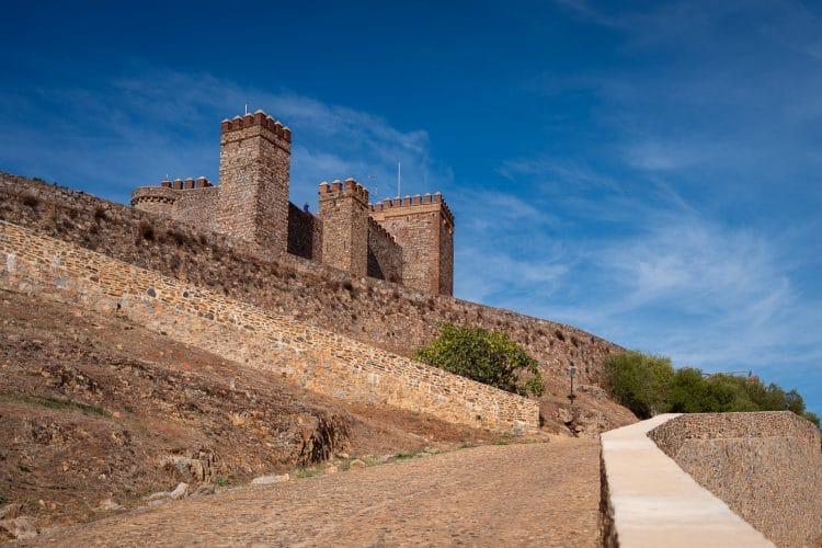 Castle of Cortegana road